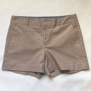 Banana Republic Hampton fit short size 6